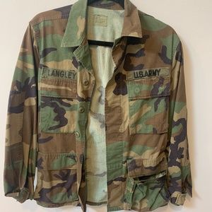 VINTAGE ARMY JACKET IN GREAT CONDITION